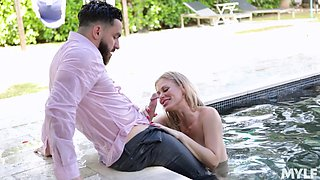 Russian bombshell Casca Akashova gets messy facial after crazy sex by the pool