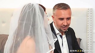 Keiran Lee And Adria Rae In Groom Secretly Fucks The Bride In Anal Hole On The Wedding Day