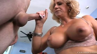 Nasty blonde cougar Phyllisha Anne plays with her BF