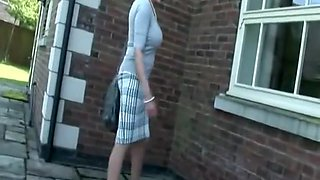 LADY SONIA Public stripping & peeing outdoors