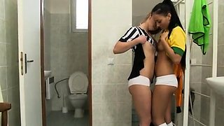 Amateur teen morning Brazilian player drilling the referee
