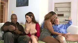 Interracial Swingers 458