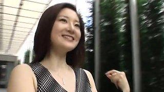 Asian couple having sex from garden to bathroom - Asian Porno 2014120601