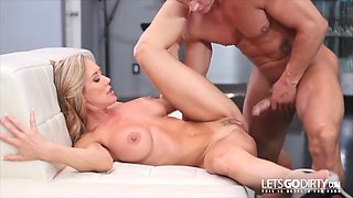 Perfect milf for lovers