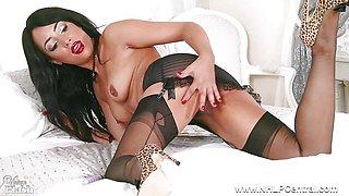 Lush ebony babe wanks off toying in nylons girdle heels