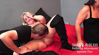 Hot MILFs licking and fingerfucking to squirting orgasm