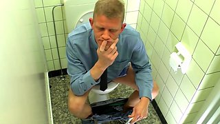 German milf Mandy Mystery fucks in the Toilet