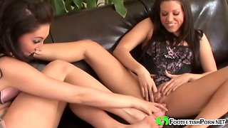playful bikini babes do a good job
