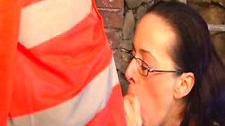 Four eyed brunette whore gets her hairy snatch expertly eaten out