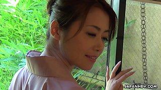Sexiest geisha Maki Hojo gives a blowjob to several horny men