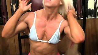 Pro Bodybuilder Nathalie Falk In The Gym