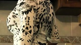 Voluptuous housewife gets fucked doggystyle in the kitchen